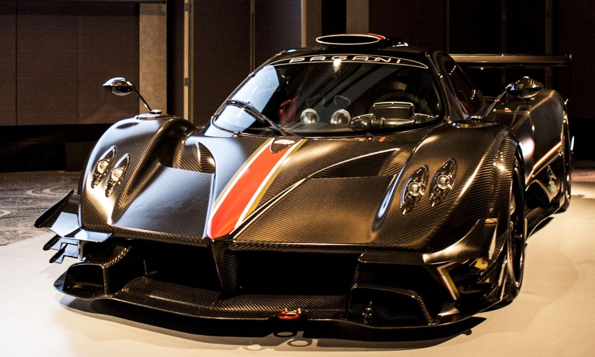 Rating specifications performance and images of Pagani Huayra Roadster top speed 370 kph power 764 hp 0100 kph 062 mph 29 seconds