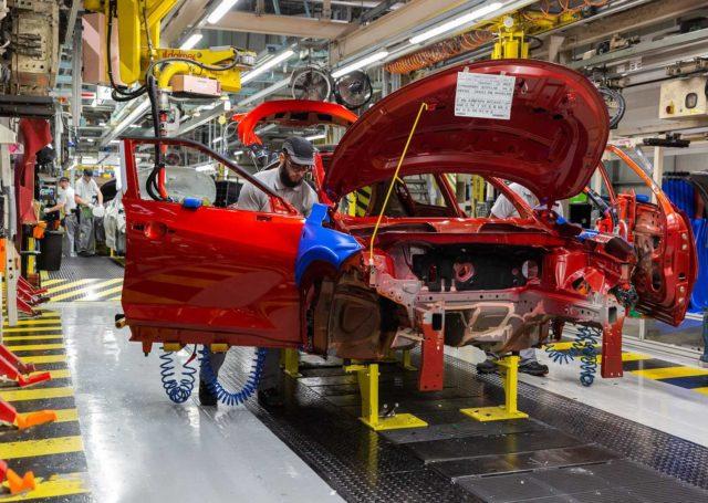 Koronawirus uderza w przemysł motoryzacyjny