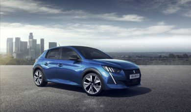 Peugeot 208 z tytułem Car of The Year 2020