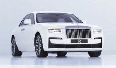 Nowy Rolls-Royce Ghost chce być minimalistyczny, ale średnio mu to wychodzi