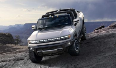 Hummer wraca jako elektryczny pickup. Ma 1000 KM, 3 silniki i zasięg 560 km