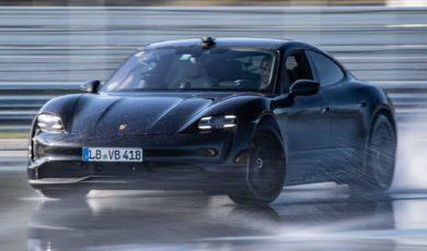 Porsche Taycan w elektryzującym drifcie