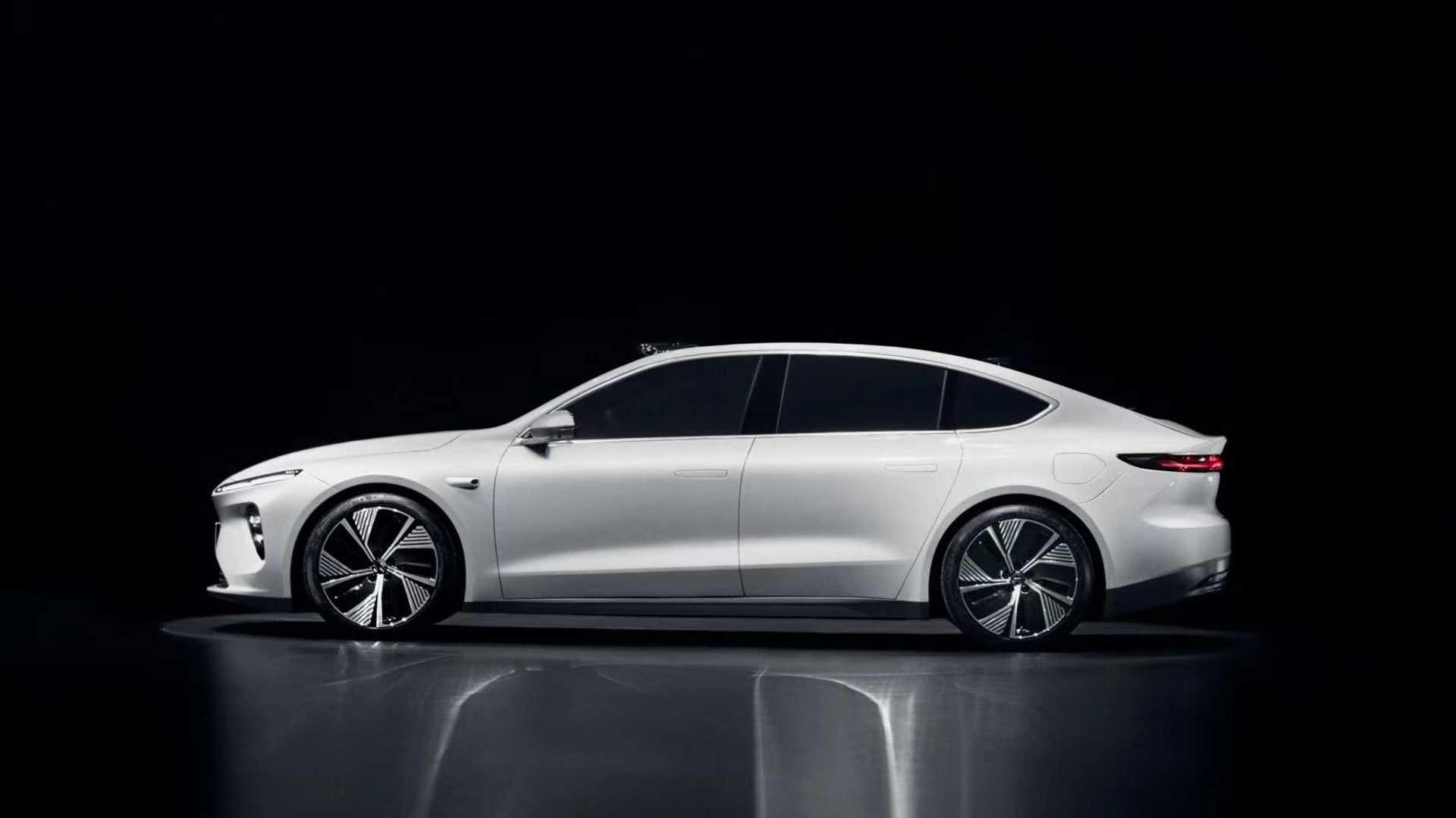 Nio ET7 to atrakcyjny sedan