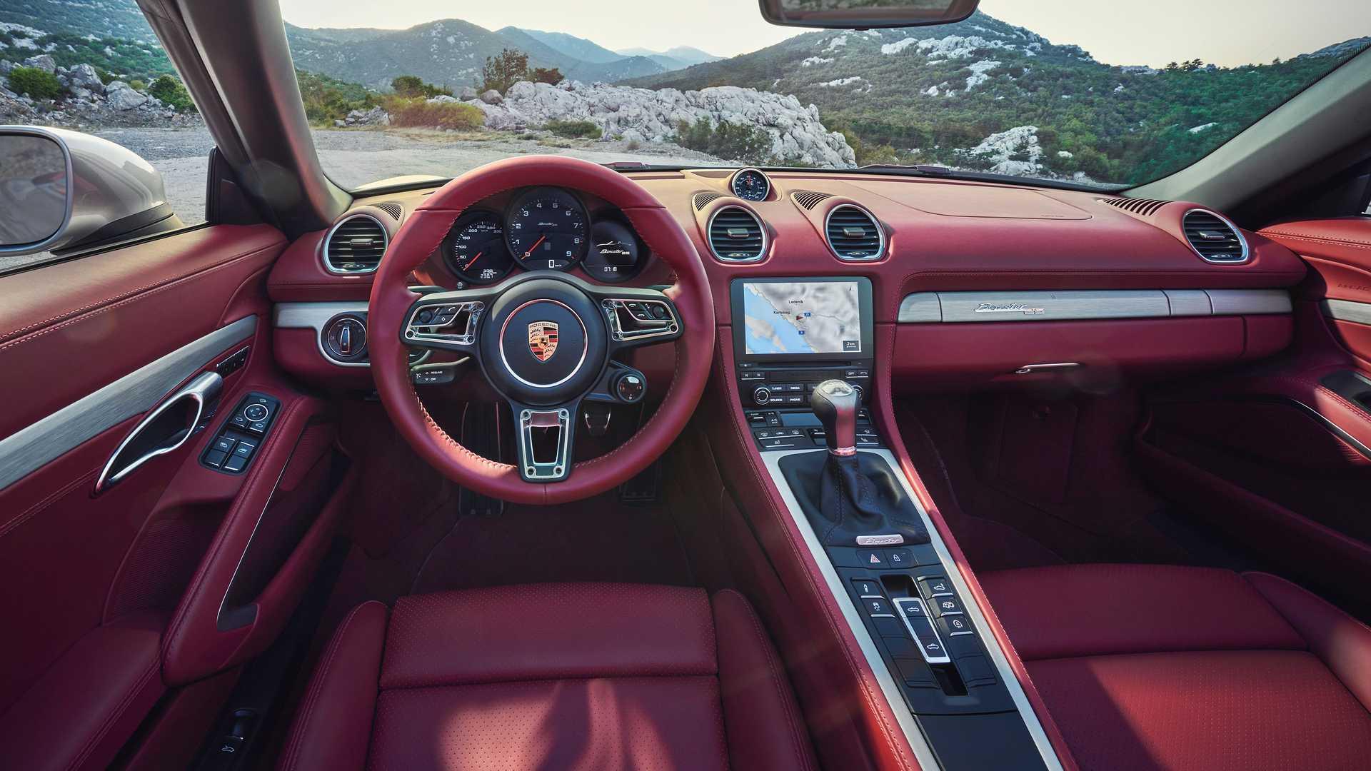 Porsche Boxster 25 ma czerwone wnetrze