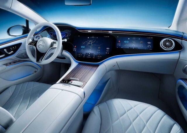 Mercedes EQS z imponującym ekranem