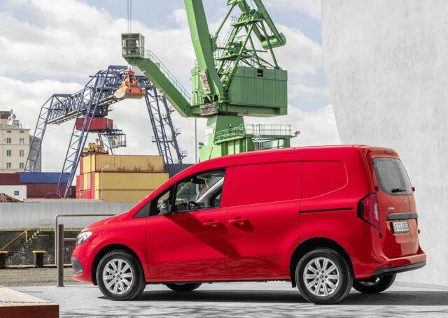 Mercedes Citan – debiutuje kompaktowy van w dwóch wersjach: dostawczej i Tourer