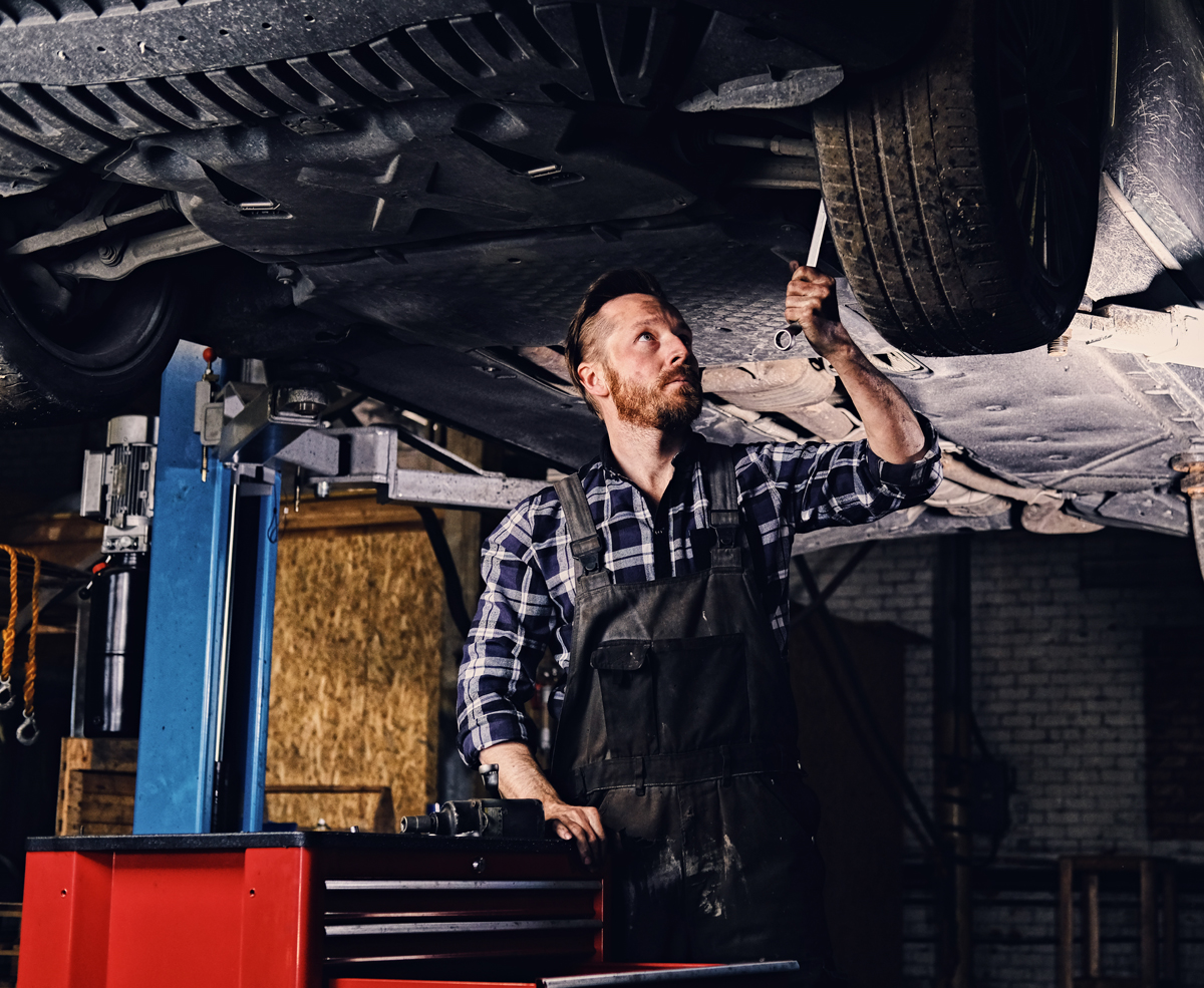 Pomocnik lakiernika / lakiernik samochodowy