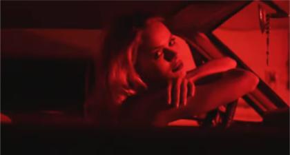 Neony, szybkie auta, piękne kobiety #1