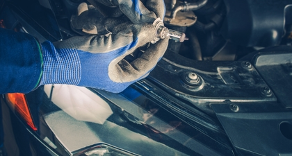 Jak zadbać o oświetlenie samochodowe jesienią?