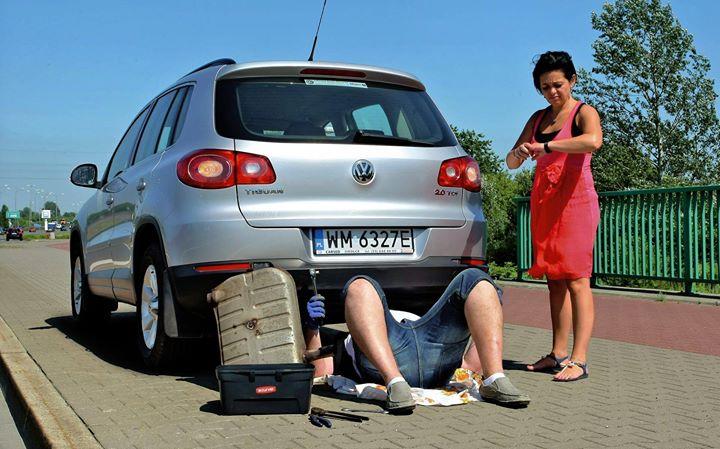 Dzisiejsze samochody to zaprzeczenie stylu podróży 🤔  Wg badań producentów samochodów i olejów…