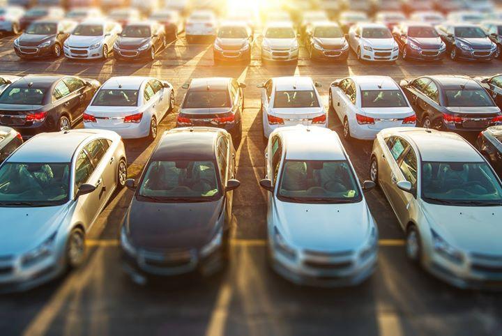 Wyprzedaże w sierpniu❓ O co chodzi❓  Reklamy wyprzedażowe atakują kierowców w radio i telewizji! Ale…