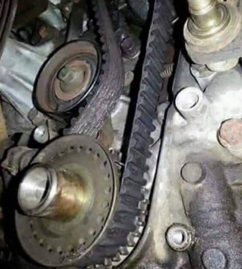 Dlaczego mechanik postanowił w ten sposób założyć pasek rozrządu❓  #ProfiAuto #DoradcaProfiAuto…