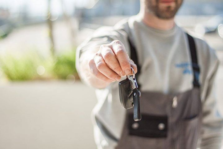 Sprzedajesz samochód z wadą? Możesz mieć kłopoty!   Zgodnie z prawem sprzedawca odpowiada za stan…