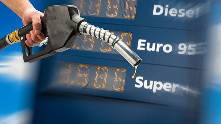 Czy tankowanie droższych paliw ma sens?  Zdaniem producentów, paliwa premium mają z naszego…