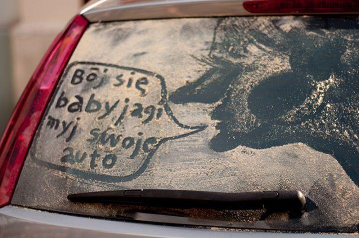 Nawet 500 zł mandatu za brudny samochód❓ Matowy lakier, niewidoczne tablice rejestracyjne i…