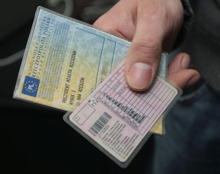 Koronawirus wymusił ułatwienia dla kierowców⚠  Zastanawiasz się co zrobić, jeśli Twoje prawo jazdy…